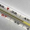 Можно ли снизить температуру без таблеток и стоит ли ее сбивать?