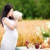 Почему появляются прыщи у беременных?