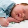 Почему возникает повышенная потливость у детей? Как избавиться от нее?